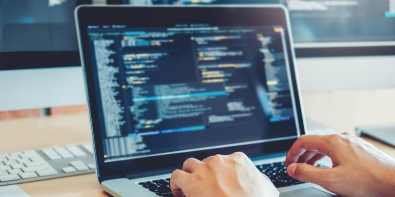ソフトウェア開発はどのような流れで進めるのか?その工程を詳しく解説