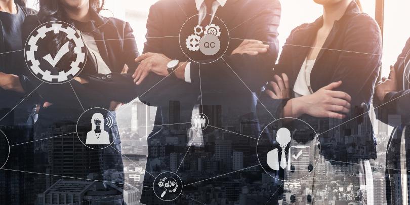 エンジニアは管理職を目指すべき?管理職が求められる理由やメリット、専門職との違い