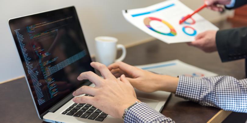 HTMLエディタとは?使用するメリットや選び方について解説